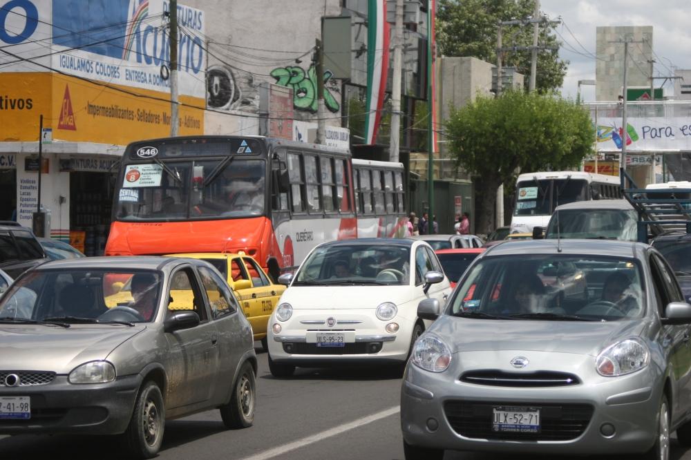 Tráfico en la Av. Constituyentes Querétaro. Foto: Ketzalkoatl